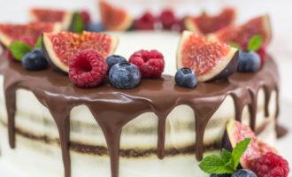 Рецепт быстрого и легкого приготовления сметанного торта.