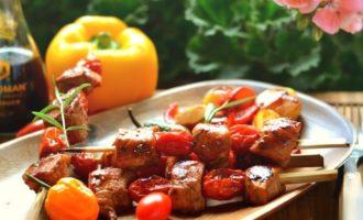 Шашлыки «Домашние» с куриным филе и помидорами