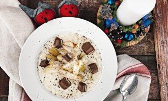 Овсяная каша с грушей и шоколадом