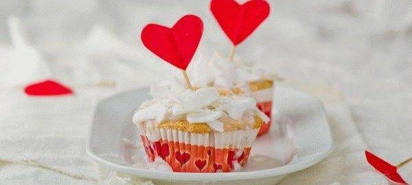 Кокосовый кекс для Дня Святого Валентина