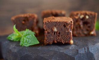 Шоколадные брауни с грецкими орехами