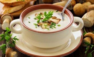 Сырный суп-пюре с шампиньонами и зеленой фасолью