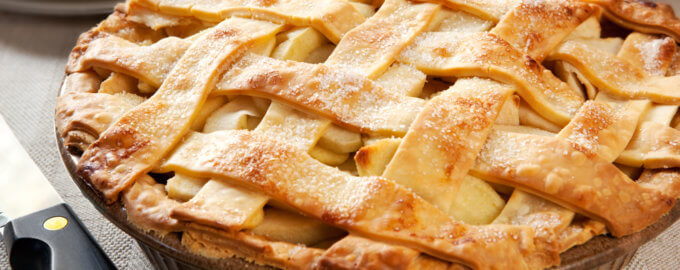 Пирог из слоеного теста с грушами