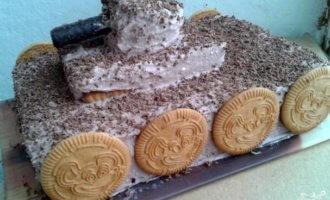 """Торт """"Танк"""" из печенья на 23 февраля"""