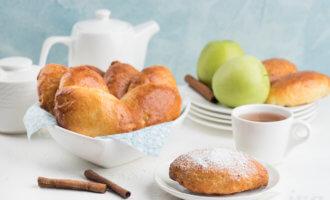 Творожные пирожки в духовке с яблоками и корицей