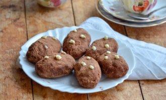 Домашнее пирожное «Картошка» из печенья со сгущенкой и орехами