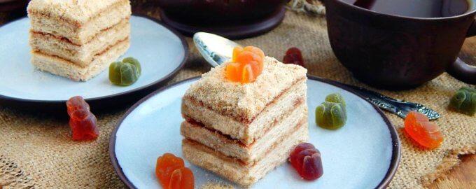 Песочное пирожное с повидлом