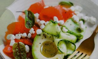 Салат из копченой семги