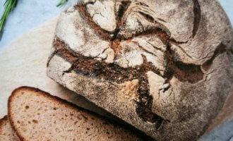 Домашний ржаной черный хлеб