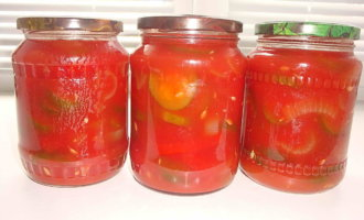 Огурцы маринованные в томатном соке